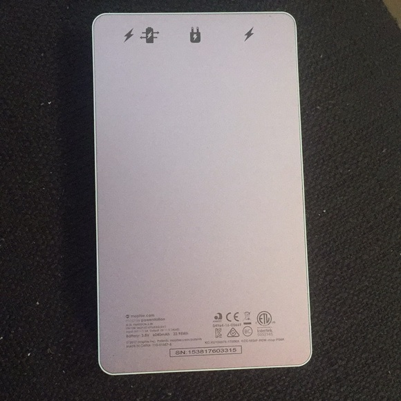 cheaper 10348 37ee7 Mophie Powerstation 6000 mAh Portable Charger